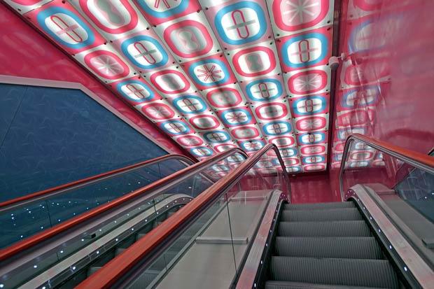metro-napoli-karim-rashid-1