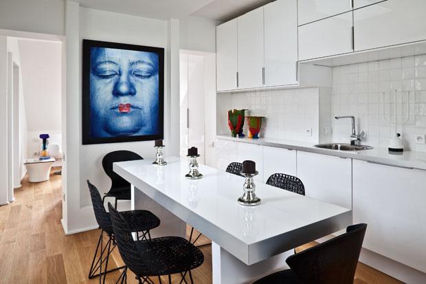 Mini mansarda in bianco foto livingcorriere