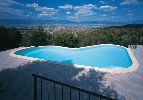 01_b_piscina-giardino