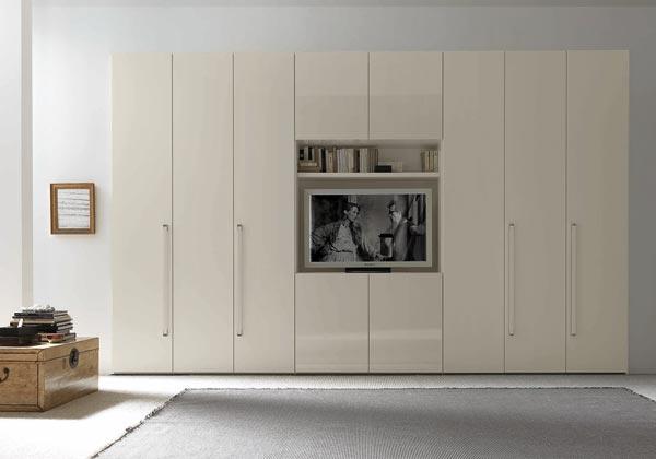 Armadio Con Vano Tv Ikea.Armadio O Cabina Foto 1 Livingcorriere