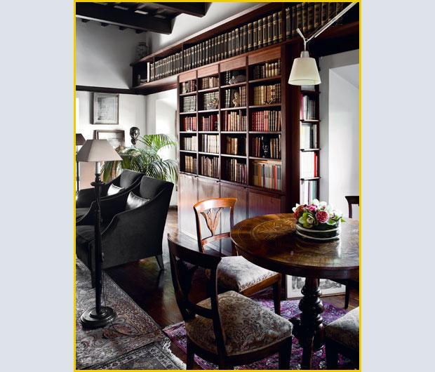 Molinari Tavoli E Sedie.La Mansarda Dei Libri Foto 1 Livingcorriere
