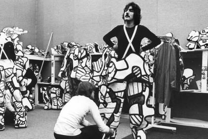 Dal 23 ottobre Jean Dubuffet di nuovo in scena al Museo Les Arts Décoratifs di Parigi con il restauro dei costumi del suo spettacolo sperimentale Coucou Bazar del 1973