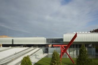 A Bologna la Fondazione MAST è nuovo un centro polifunzionale e un luogo dove si promuove imprenditorialità e innovazione sulle orme di quanto fatto da Olivetti a Ivrea