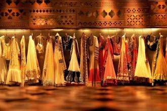 Tradizione e modernità convivono nel nuovo store Tashya di Charged Voids. Premiato come miglior negozio del 2013 dalla giuria del festival INSIDE che si svotlo in questi giorni a Singapore