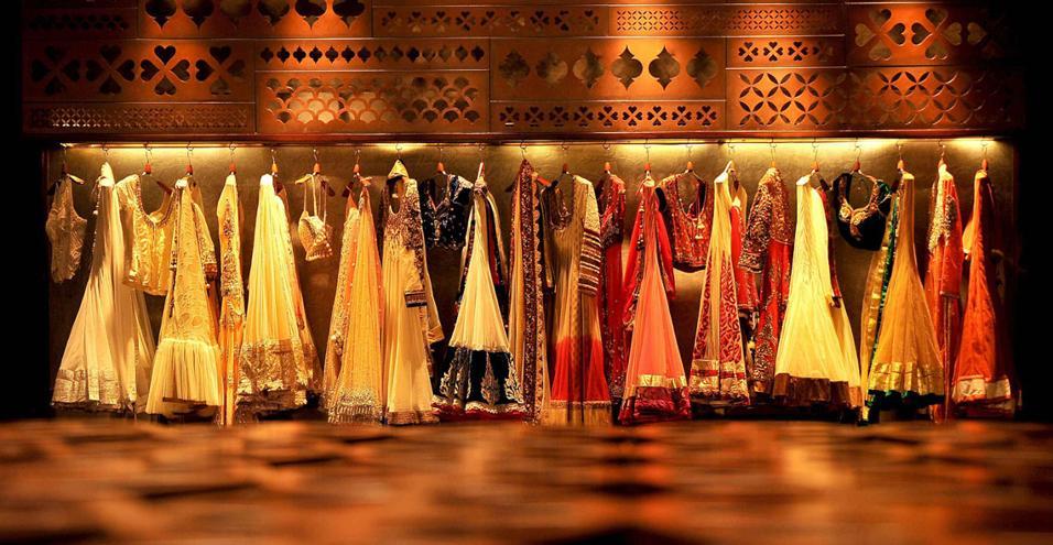 Tashya di charged voids for Stile indiano arredamento