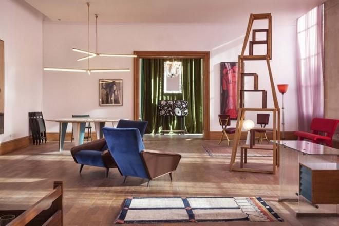 Spot #1 la nuova edizione a Parigi dell'iniziativa Squat, curata da Nina Yashar con Daniele Balice: non sono squatter, ma galleristi che aprono luoghi chiusi al pubblico per sperimentare nuove visioni domestiche