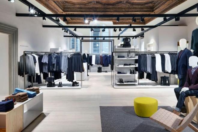 Dopo Bologna, Milano e Verona, COS apre il suo primo store anche a Firenze, in un palazzo storico in via Della Spada