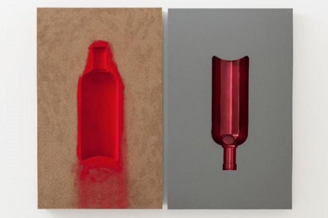 L'artista inglese di origine indiana reinterpreta l'iconica bottiglia del brand svedese. L'opera sarà svelata all'India Art Fair che si terrà a Nuova Delhi dal 30 gennaio al 2 febbraio 2014