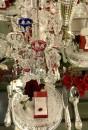 La mise en scène allestita per l'occasione presso 10 Corso Como a Milano: candelabri, bicchieri, piatti e vasi della Maison con lo styling di Anna Congiu