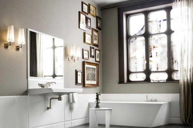 30 idee per l 39 illuminazione bagno - Lampade per il bagno allo specchio ...