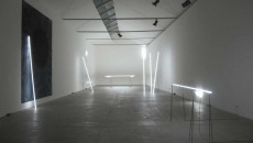 «Never Off», foto d'insieme della mostra allo Spazioborgogno di Milano