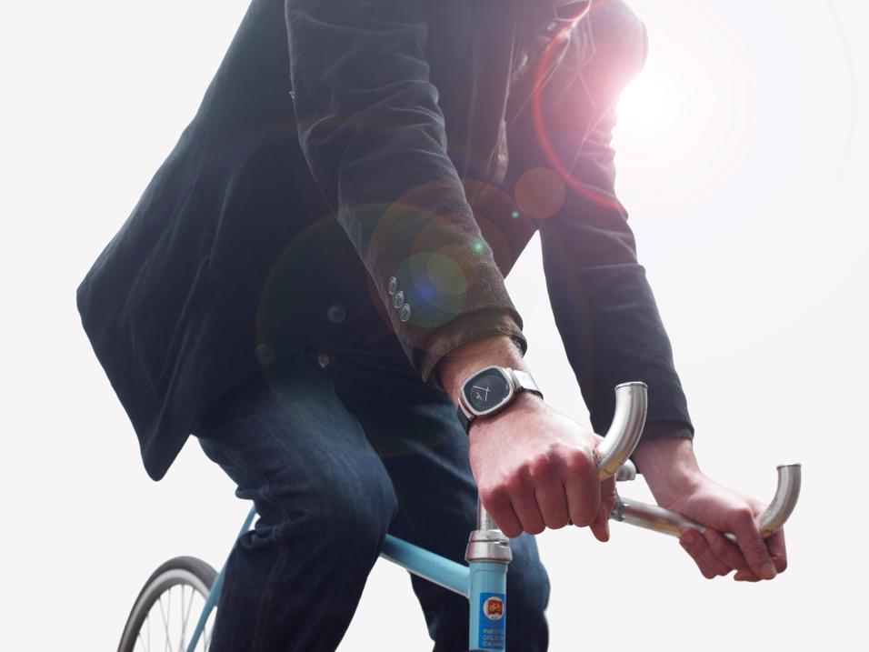 L'orologio Vigorelli in collaborazione con Lorenz dedicato al velodromo di Milano