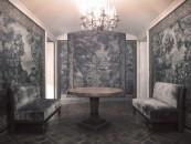 Anticamera di casa Proust a palazzo Guermantes: come è noto nel romanzo la voce del narratore e i ricordi dell'autore si sovrappongono anche nel nome del protagonista, Marcel