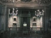 La Sala dei Principi di Guermantes allestita per la recita di Rachel (documento), la rivale della decaduta attrice Berma che anima la curiosità del narratore da ragazzino e che nel Tempo Ritrovato, ritroviamo vecchia e malata