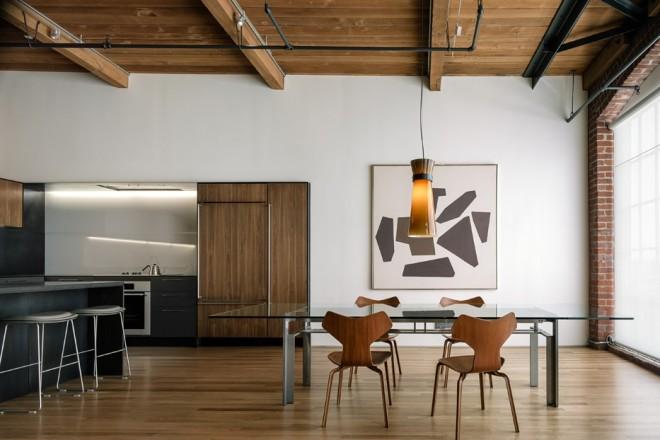 A San Francisco un progetto di ristrutturazione che mette in luce tutte le qualità di uno spazio industriale del NovecentoLA ZONA GIORNO