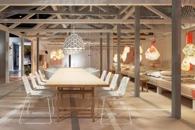 Fino al 19 gennaio alla fiera Imm di Colonia l'installazione Das Haus 2014 della designer anglo-danese Louise Campbell. Un mix di atmosfere neoromantiche e design.In foto, una visione generale dell'allestimento