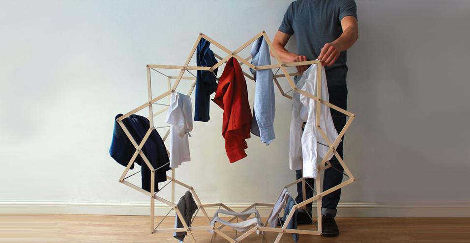 Clothes Horse è il progetto di Aaron Dunkerton, uno stendibiancheria salvaspazio a forma di stella che permette un' asciugatura più rapida dei vestiti