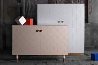 Compri all'Ikea e personalizzi online. Pomelli di ottone, piani in marmo e rivestimenti geometrici: una linea di accessori per modificare i più comuni modelli del colosso di arredamento svedese