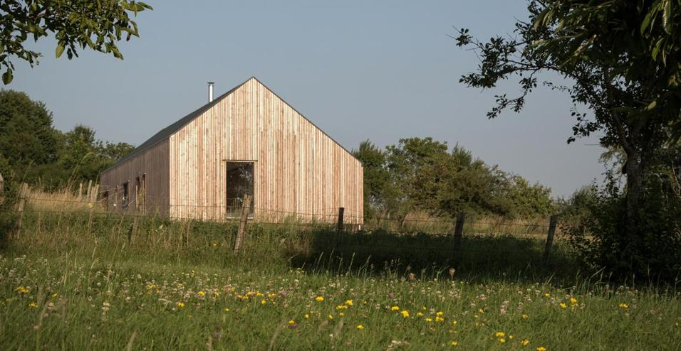 Maison simon una casa nella campagna francese for Una storia piani di casa di campagna francese