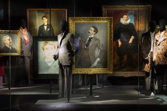 Fino al 31 agosto 2014 al museo Les Arts Décoratifs di Parigi una mostra sull'universo personale e professionale dello stilista belga