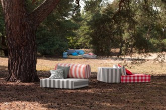 Quattro stoffe per la casa estiva. Indoor e outdoor, nell'interpretazione dell'editore tessile tedesco Nya NordiskaTessile outdoor