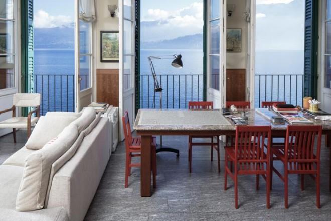 Un ex mulino sul lago Maggiore trasformato in casa delle vacanze dal papà Aldo Rossi