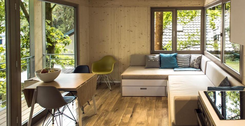Dalla stanza per gli ospiti all'ufficio in mezzo alla natura: le architetture sospese dello studio tedesco Baumraum