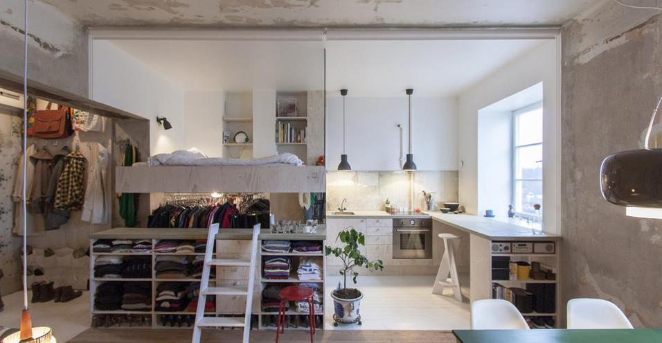Mobili multifunzione e un'atmosfera bohémienne per l'abitazione dell'architetto svedese Karin Matz. 36 mq ben organizzati dove prima c'era un vecchio magazzino