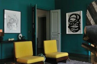La casa in montagna di Giorgio Armani, il riad marocchino di Franca Sozzani e l'appartamento a Parigi di Stefano Pilati. Un libro svela i luoghi dove vivono gli stilisti e i protagonisti del fashion system