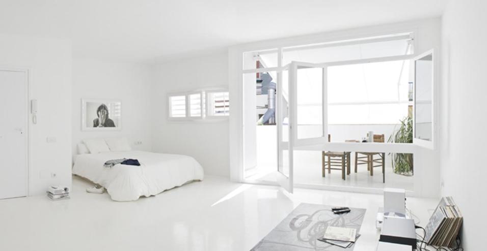 Monolocale dallo stile minimal for Casa stile minimal
