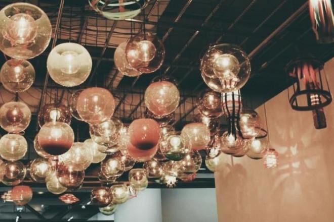 Le luci secondo voi: grandi classici, accenti vintage e soluzioni inaspettate. In questa gallery le immagini più belle postate su Instagram con #LivingLuce o spedite alla nostra mail social.living@rcs.itLaura Sorano