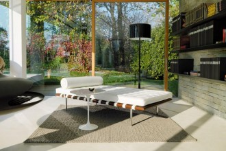 Mies van der Rohe, Barcelona® Daybed, courtesy of Knoll
