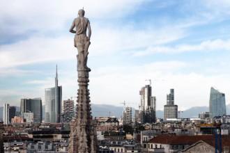 Un secolo di grattacieli a Milano è il sottotitolo della rassegna alla Fondazione Catella aperta al pubblico da venerdì 7 novembre a sabato 6 dicembre 2014. Ingresso libero