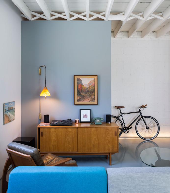 LE 205 HOUSE DI ATELIER MODERNO: VINTAGE VS MINIMAL