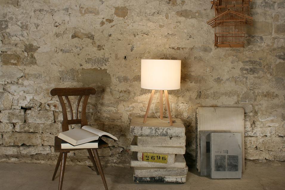 30 modelli di design: dalla abat-jour retrò alla hi-tech con prese integrate, ecco le lampade da mettere accanto al lettoLUCA STAND LITTLE DI MAIGRAU