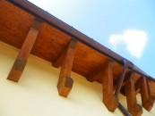 Fa parte della nostra storia ed è ancora oggi il materiale più resistente. Apprezzato e utilizzato da architetti e designer, rappresenta un investimento a lungo termine per la casa