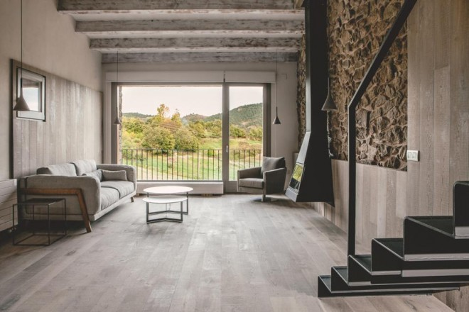 rustico-pirenei-spagna-dom-arquitectura-12_MGbig