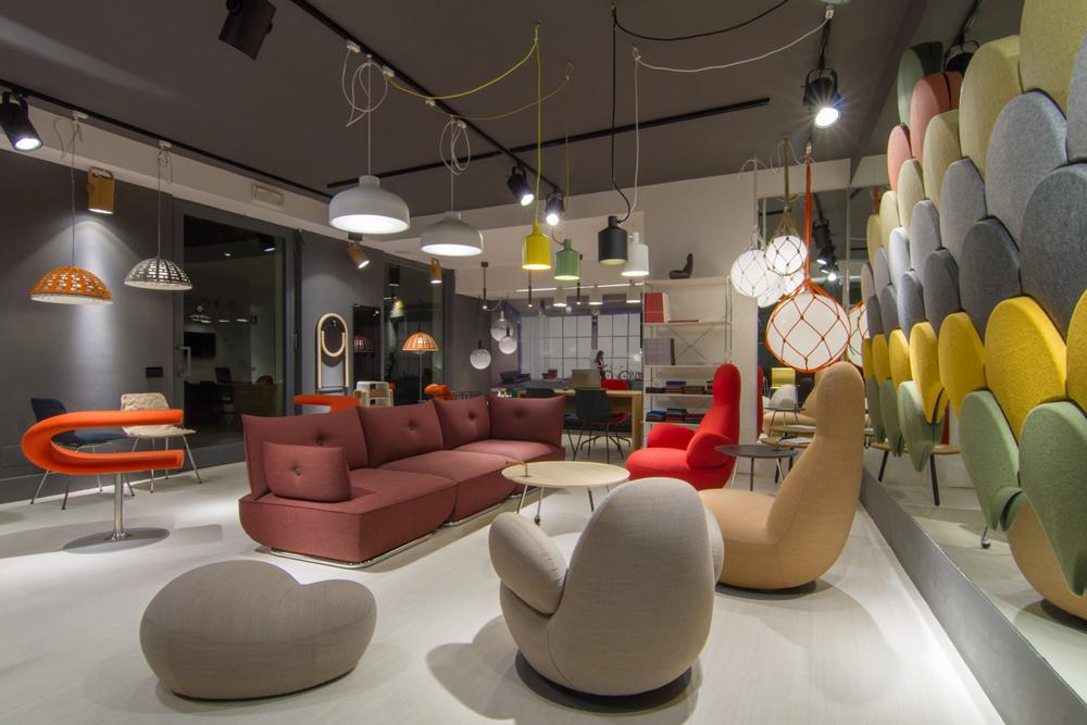 Il nuovo showroom blastation e zero for Showroom arredamento roma