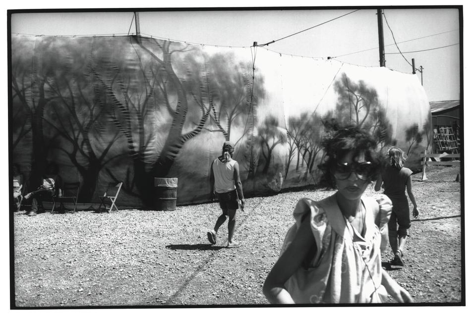 Paesaggi, architetture e strade, il regista tedesco racconta gli Stati Uniti attraverso l'obiettivo della sua macchina fotografica. A Varese fino al 29 marzo
