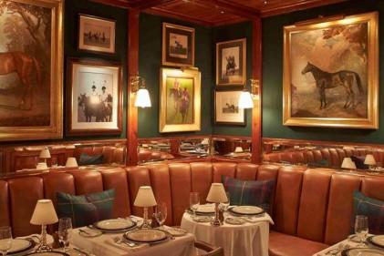 Dopo Chicago e Parigi, lo stilista apre un ristorante anche a New York. È il primo nella Grande Mela