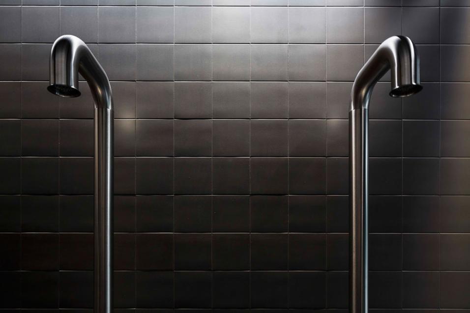 Kerakoll presenta le novità nel suo show-room milanese, tra rivestimenti speciali e finiture d'architetto.