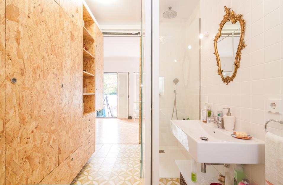 Idee per arredare con lo specchio il bagno