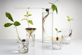 LA SERIE DI VASI 'FLOATING FOREST' DI MICHAEL ANASTASSIADES