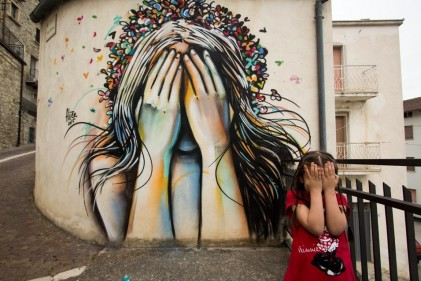 Il progetto artistico di Alice Pasquini che ha coinvolto con i suoi graffiti un piccolo paese del Molise
