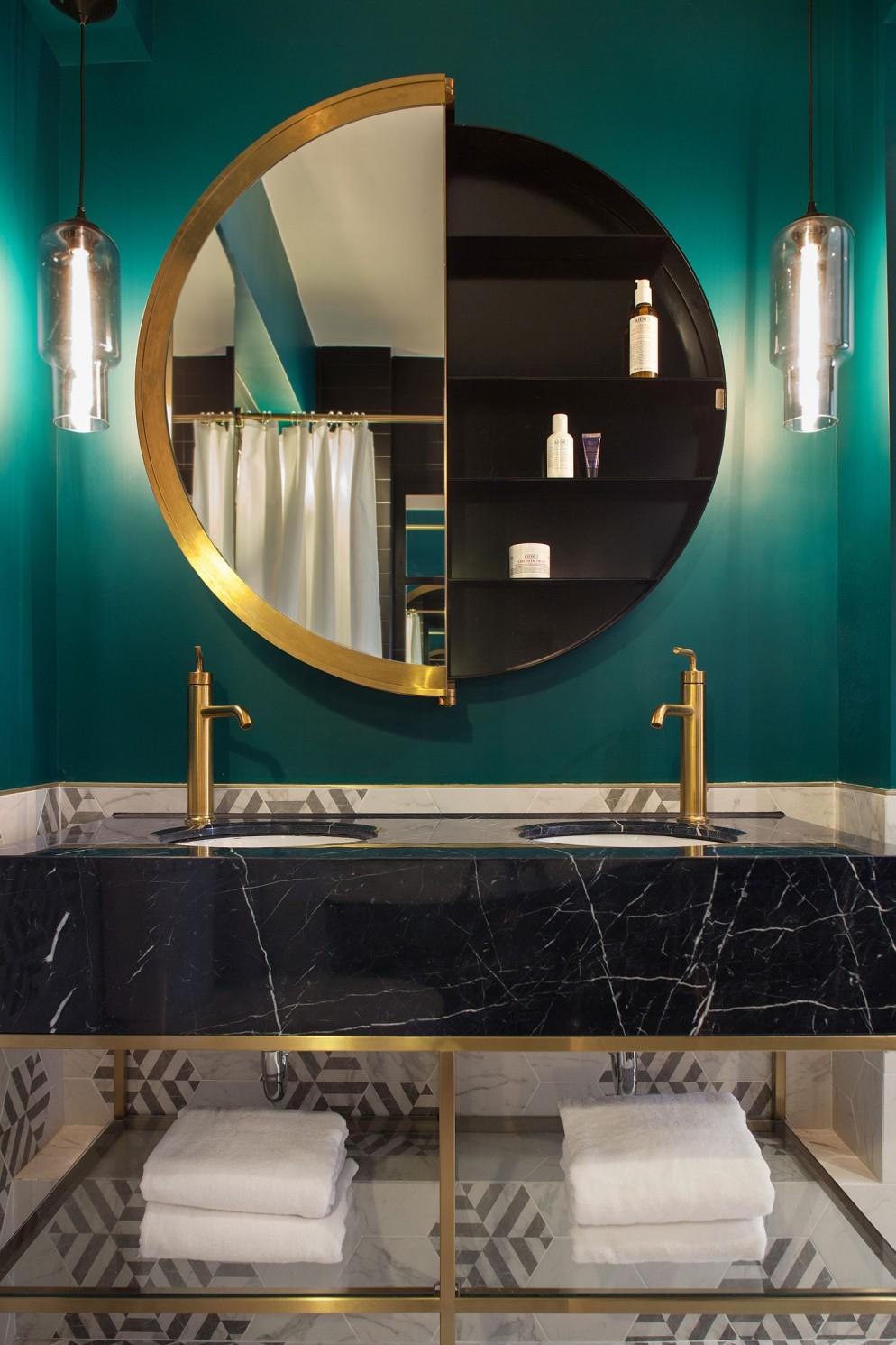 specchio bagno ottone