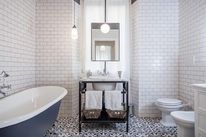 Lo specchio in bagno - LivingCorriere