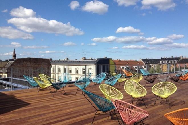 Il salotto in balcone livingcorriere for Arredo da terrazza giardino