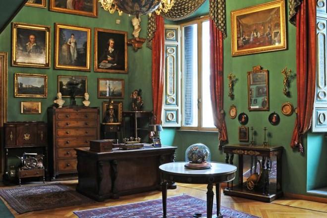 Da Moravia a Goethe, da Pirandello a De Chirico. Un itinerario per scoprire Roma attraverso le abitazioni di artisti e scrittori