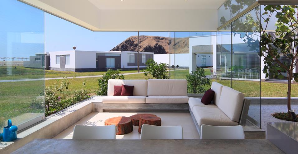 villa minimalista sulla spiaggia