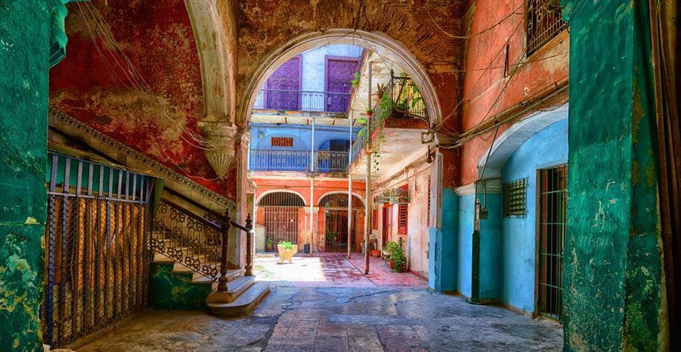 FINO ALL'11 LUGLIO LA MOSTRA CUBA-EXPIRED DEL FOTOGRAFO WERNER PAWLOK PRESSO LO SPAZIO LUMAS MILANO